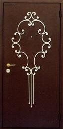 Двери с кованными элементами